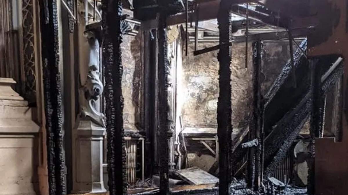 У КМДА жорстко звернулися до Міністерства культури через пожежу в костелі святого Миколая - Новини Києва сьогодні - Київ