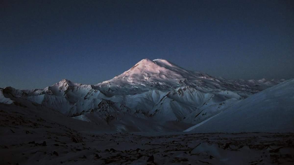 На Ельбрусі застрягла група альпіністів: п'ятеро з них загинули - 24 Канал
