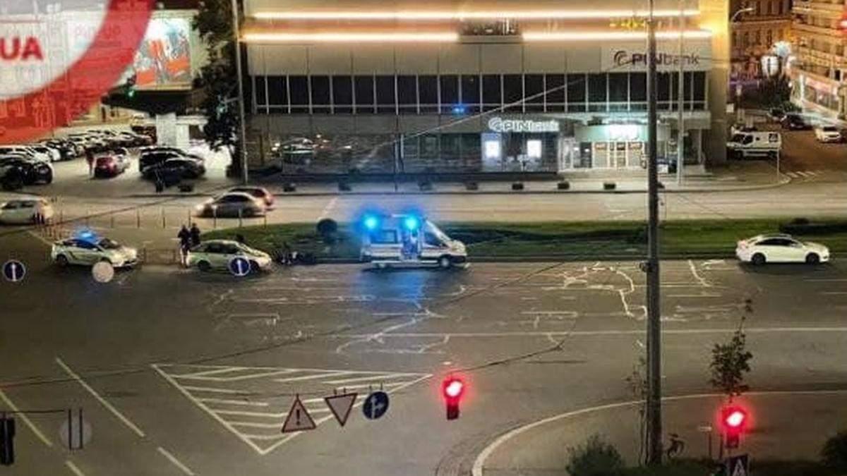 У Києві дві машини на смерть збили чоловіка, який  перебігав дорогу між двома переходами - Київ