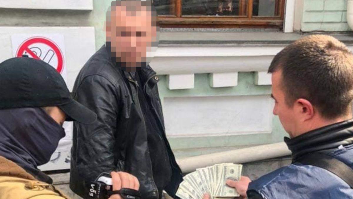 Замять дело – 2 тысячи долларов: будут судить топ-полицейского Киева