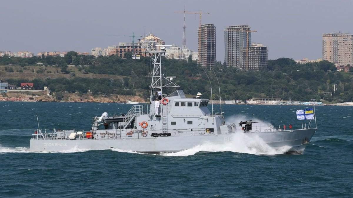 """Росіяни провокували Україну в Чорному морі, але їхній новіший корабель """"здувся"""" - 24 Канал"""