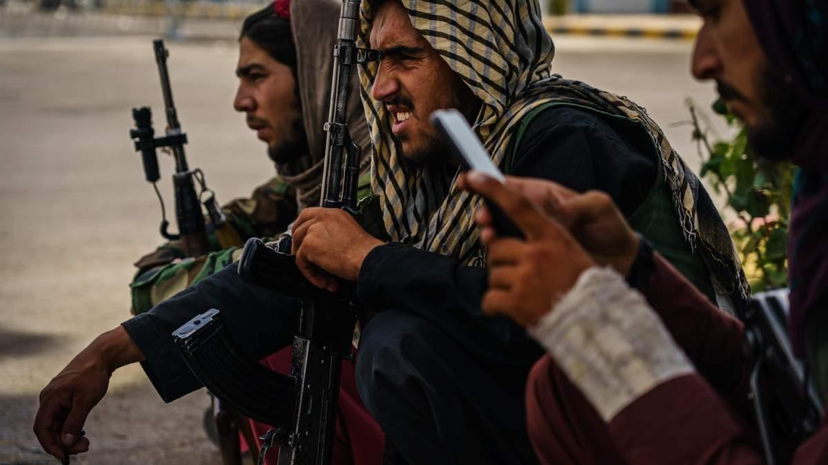 """Афганистан оказался на распутье: мир шокировало признание """"Талибана"""" - 24 Канал"""