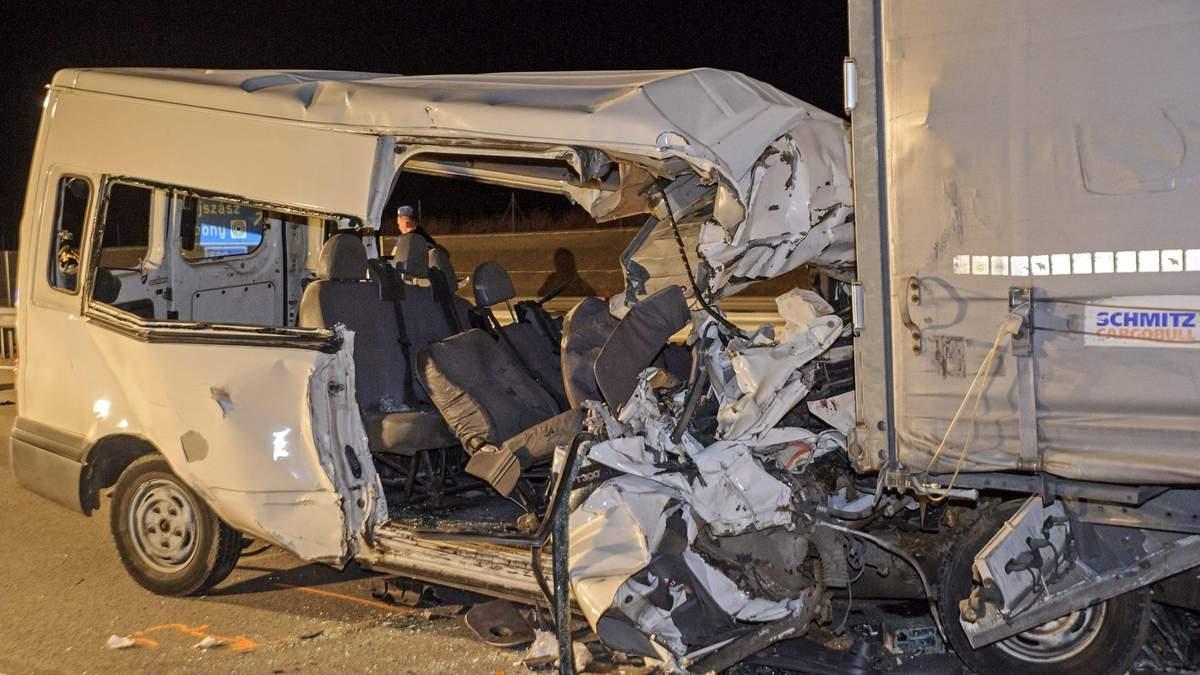 В Угорщині сталася смертельна ДТП з мікроавтобусом: серед загиблих – українці - 24 Канал