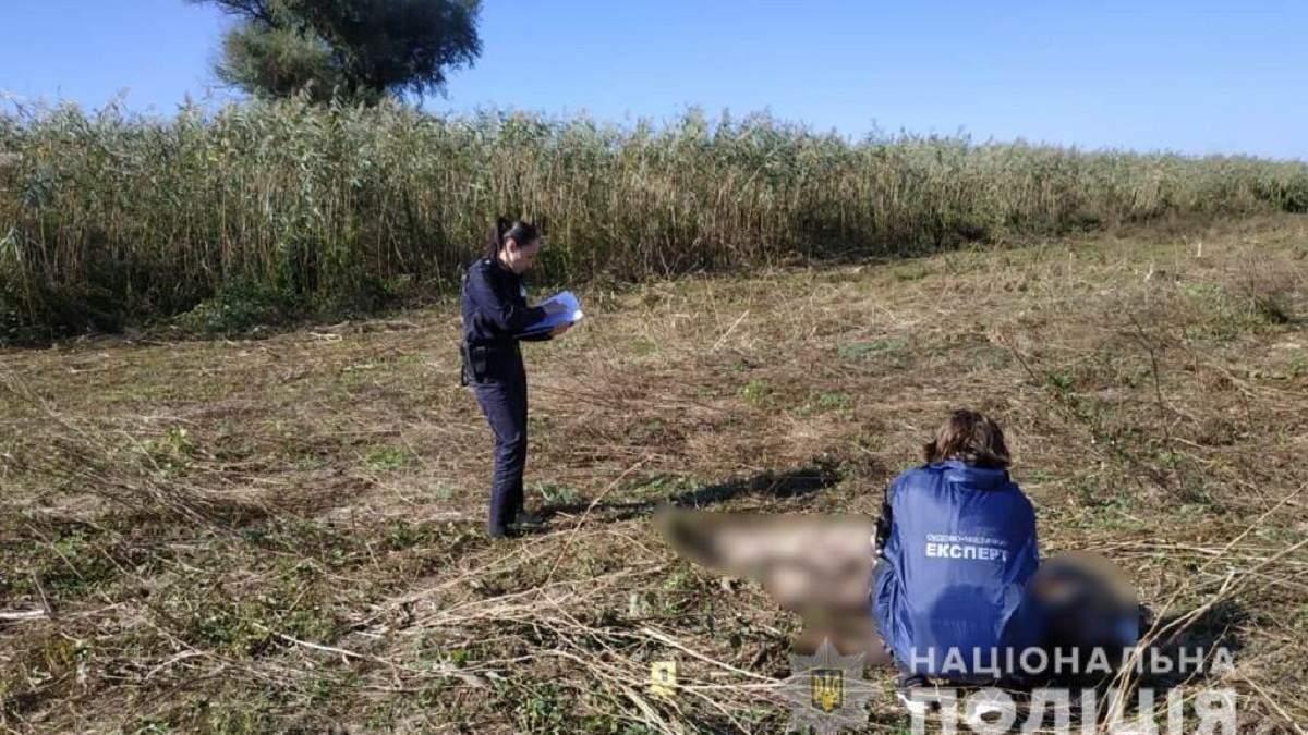 Смертельный выстрел в грудь: в Измаиле охотник целился в дичь, но убил товарища
