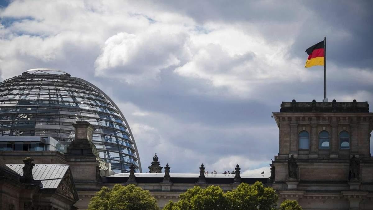 Меркель вже проголосувала: у Німеччині стартували вибори до Бундестагу. - 24 Канал