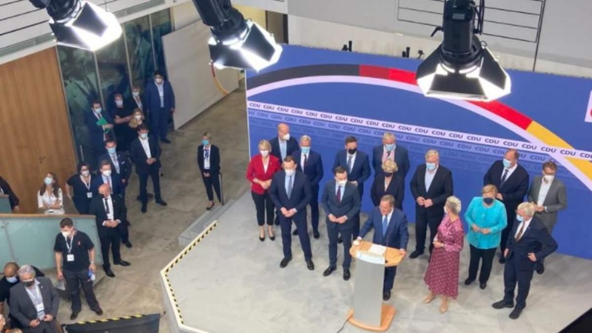 Меркель та Лашет – засмучені, соціал-демократи радіють: реакція на результати екзитполів - 24 Канал