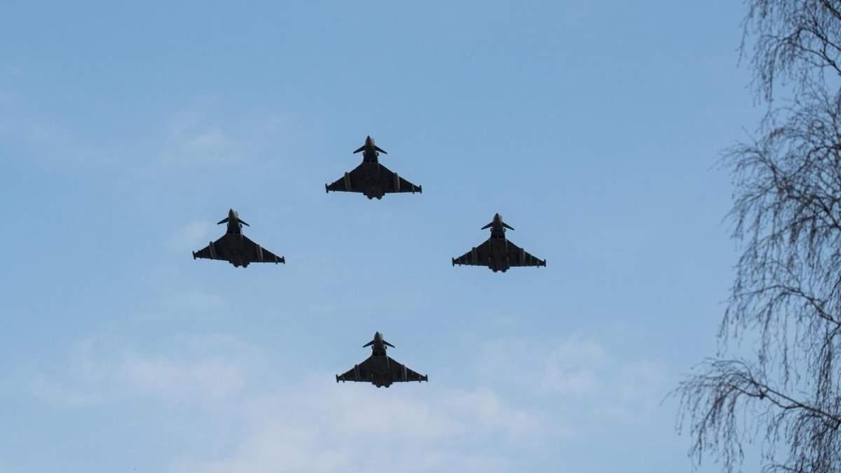 Винищувачі НАТО перехопили 17 військових літаків Росії над Балтійським морем - Новини росії - 24 Канал