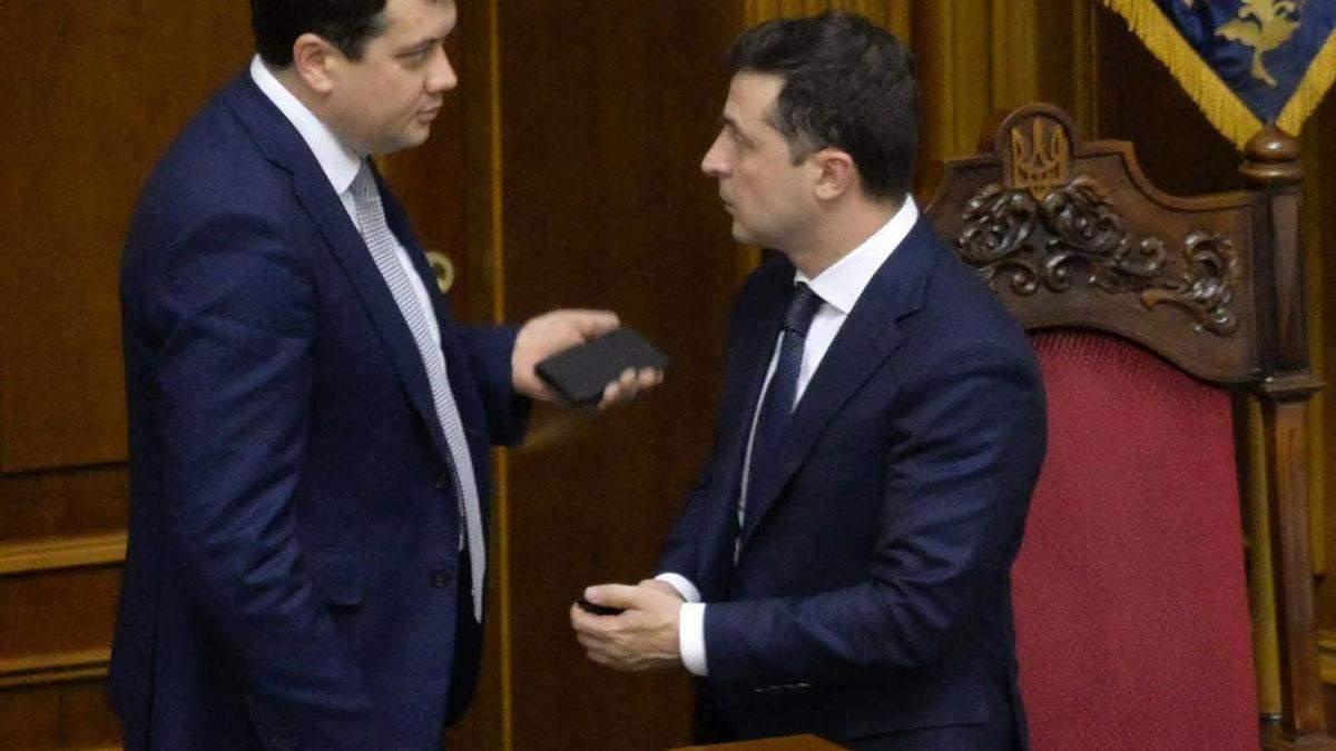 """Нічого критичного немає, – у """"Слузі народу"""" прокоментували стосунки із Разумковим - 24 Канал"""