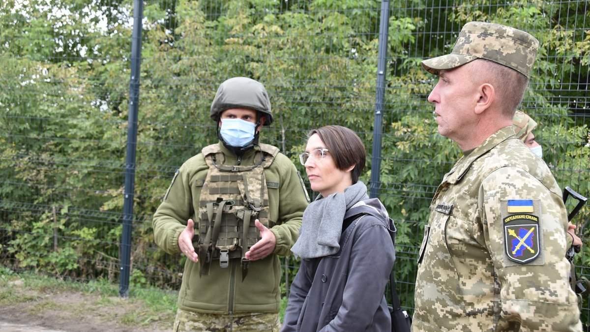 Сподіваюсь на повернення до мирного Донецька, – генконсул Німеччини побувала у зоні ООС - новини ООС - 24 Канал