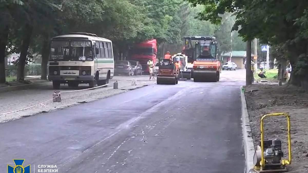 СБУ викрила розкрадання на будівництві доріг