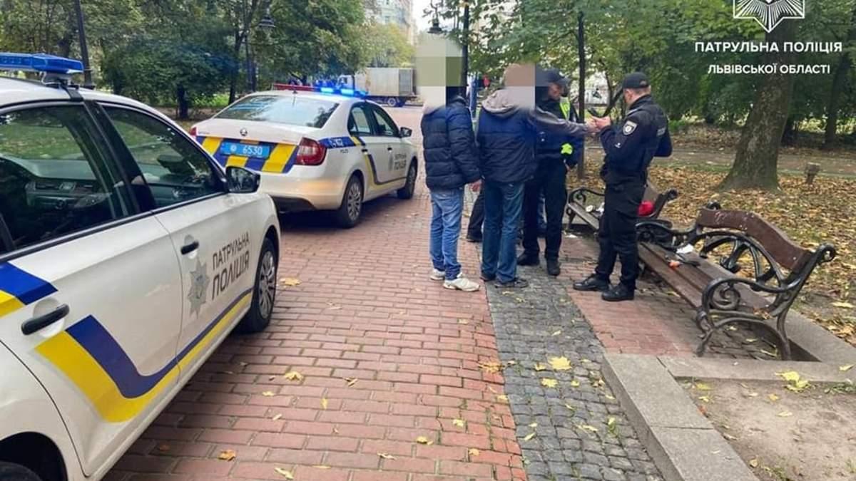 У центрі Львова п'яна компанія влаштувала стрілянину серед білого дня - Львів