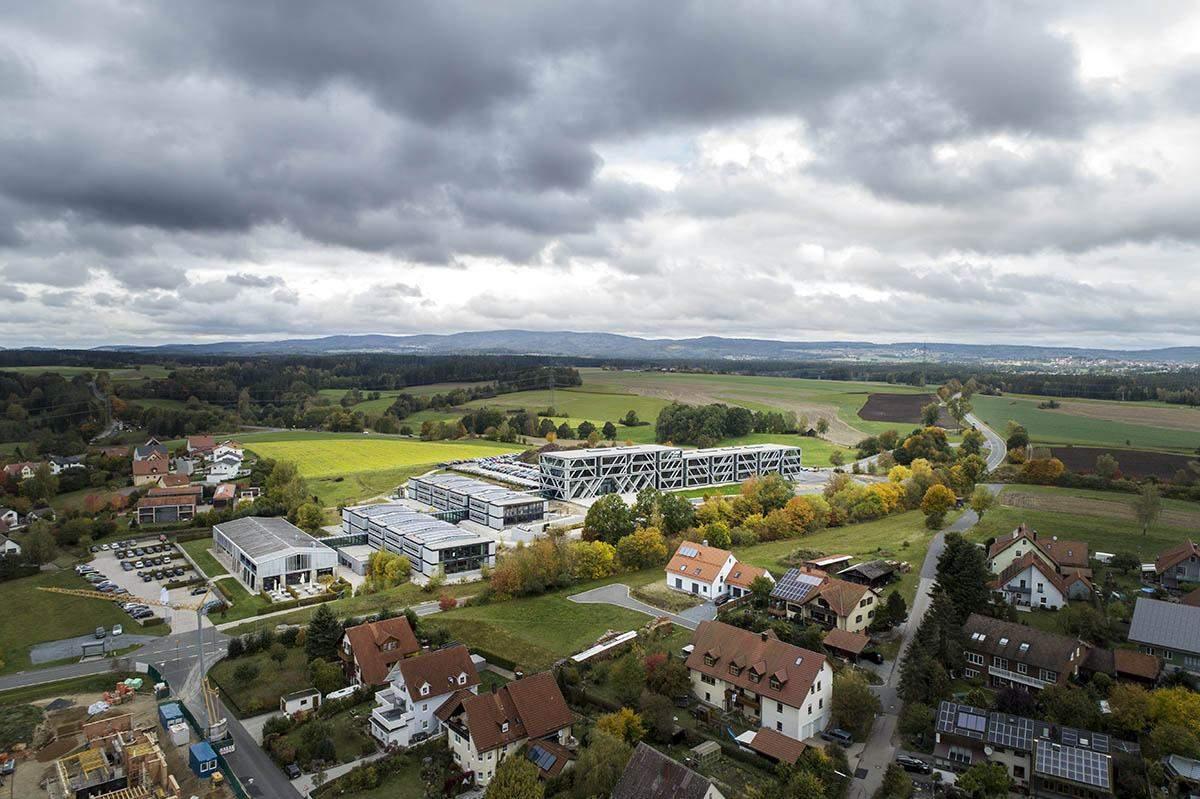 Нова, сучасна будівля кампусу IGZ / Фото  World Architecture