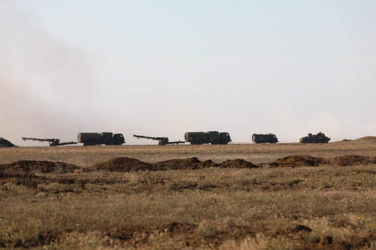 Росія почала свої військові навчання у Криму
