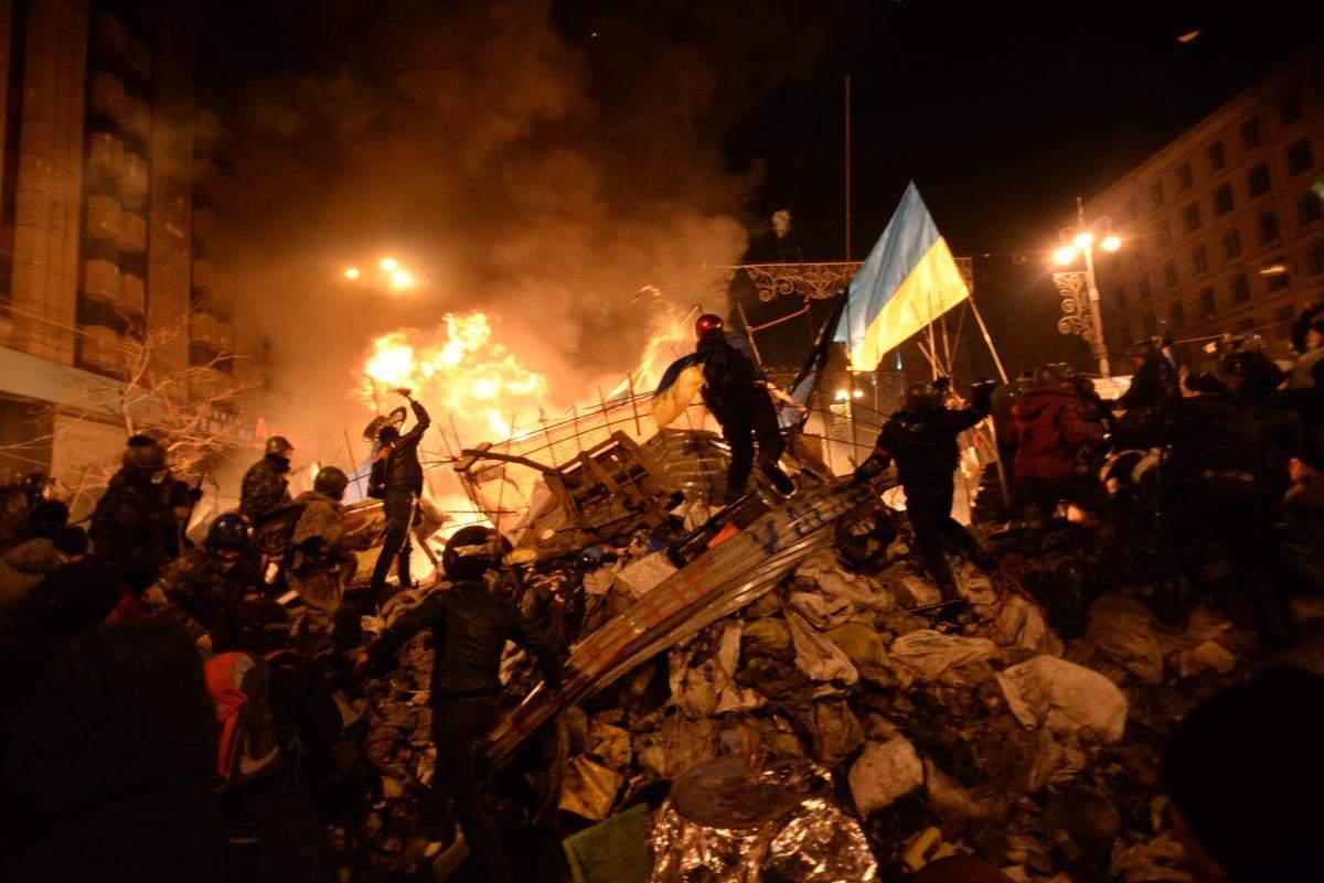 Сутички на Майдані після підписання диктаторських законів