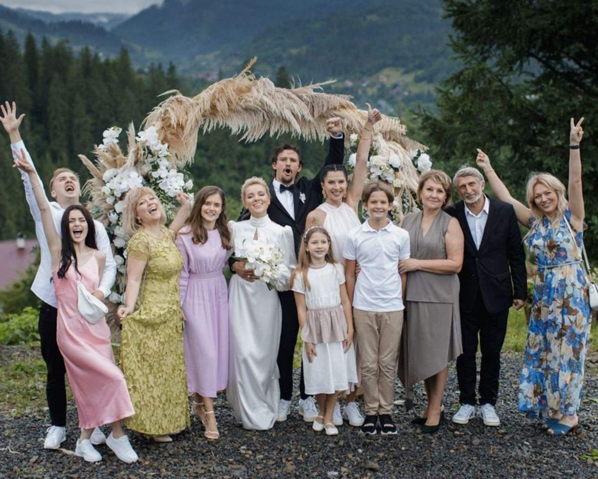 Гості на весіллі Тараса Цимбалюка