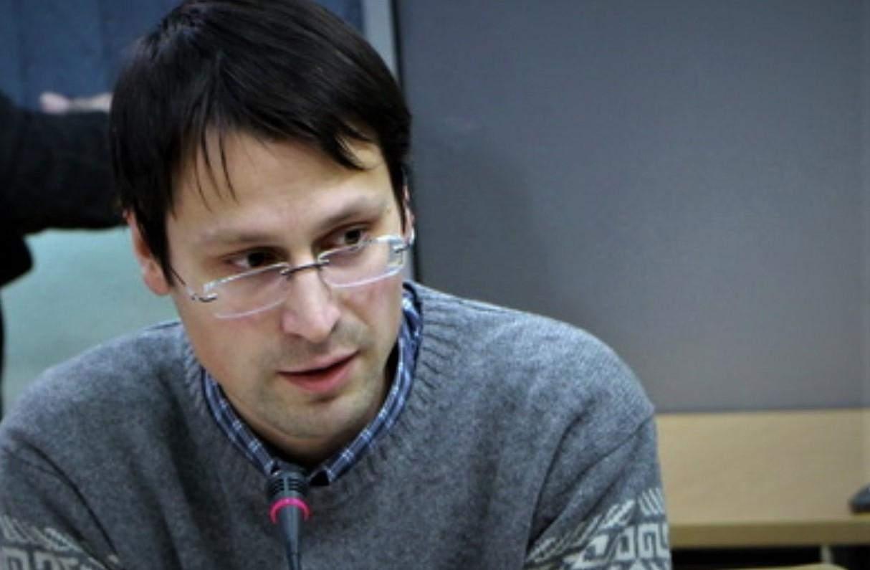 Петро Бурковський, політичний аналітик