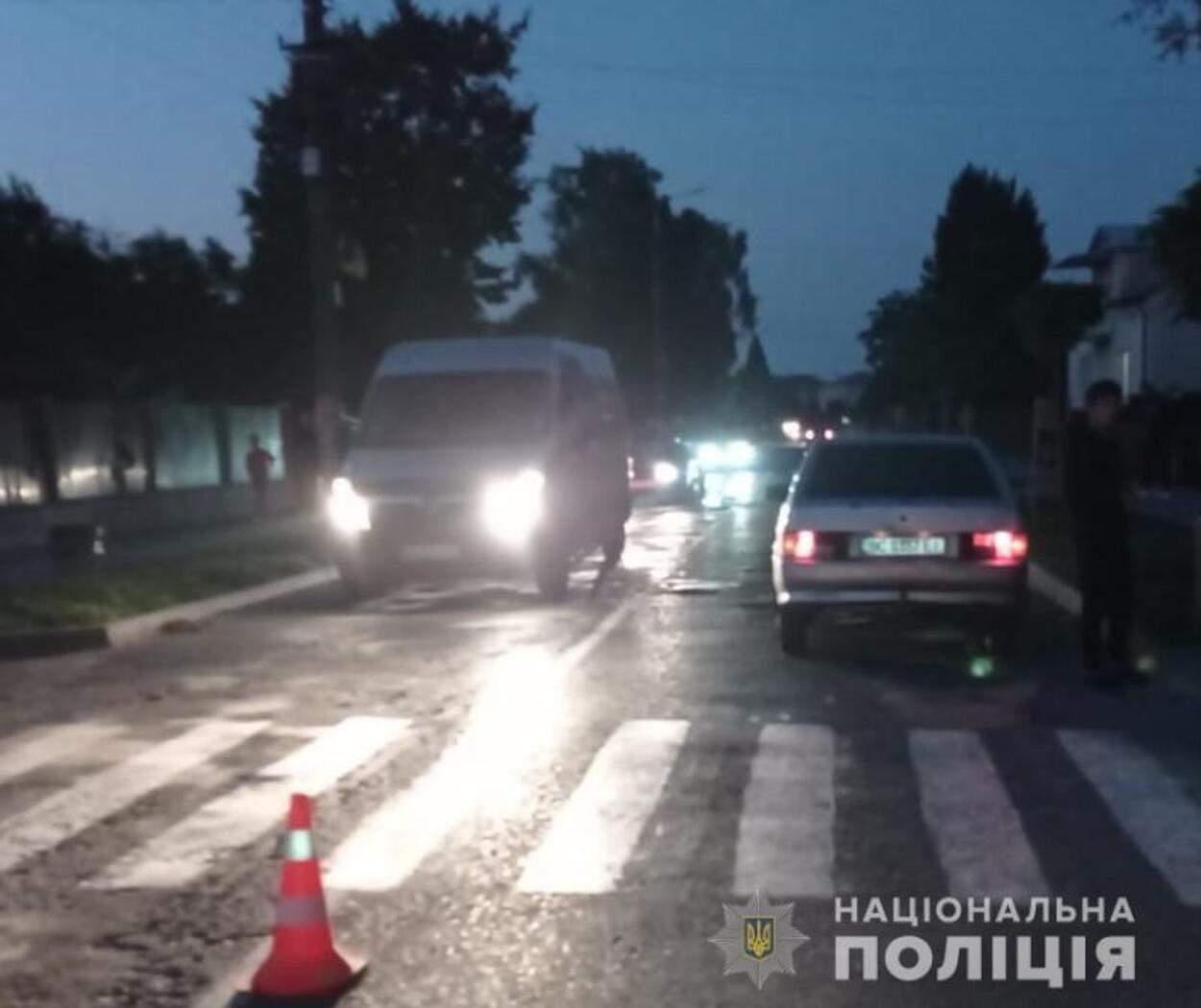 На Львівщині ВАЗ збив 9-річну дівчинку на переході: дитина потрапила до лікарні