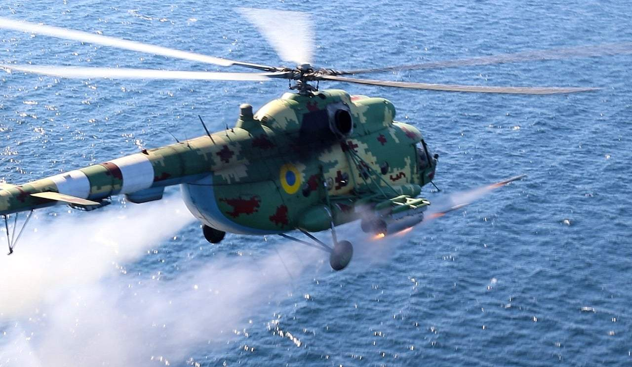 Українські льотчики провели навчання біля Криму