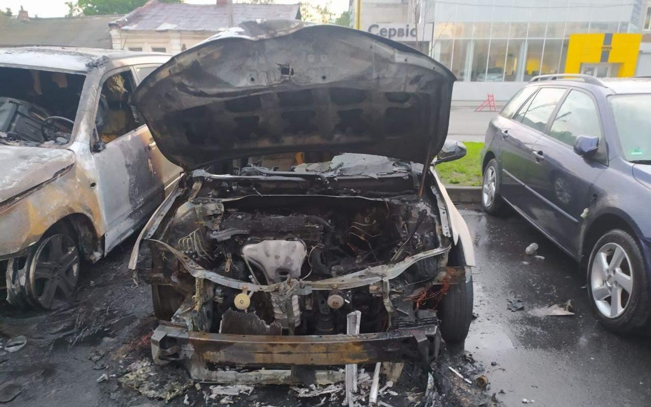 пожежа Автомобілі Згоріли ДСНС Пожежники Пожежа Харків