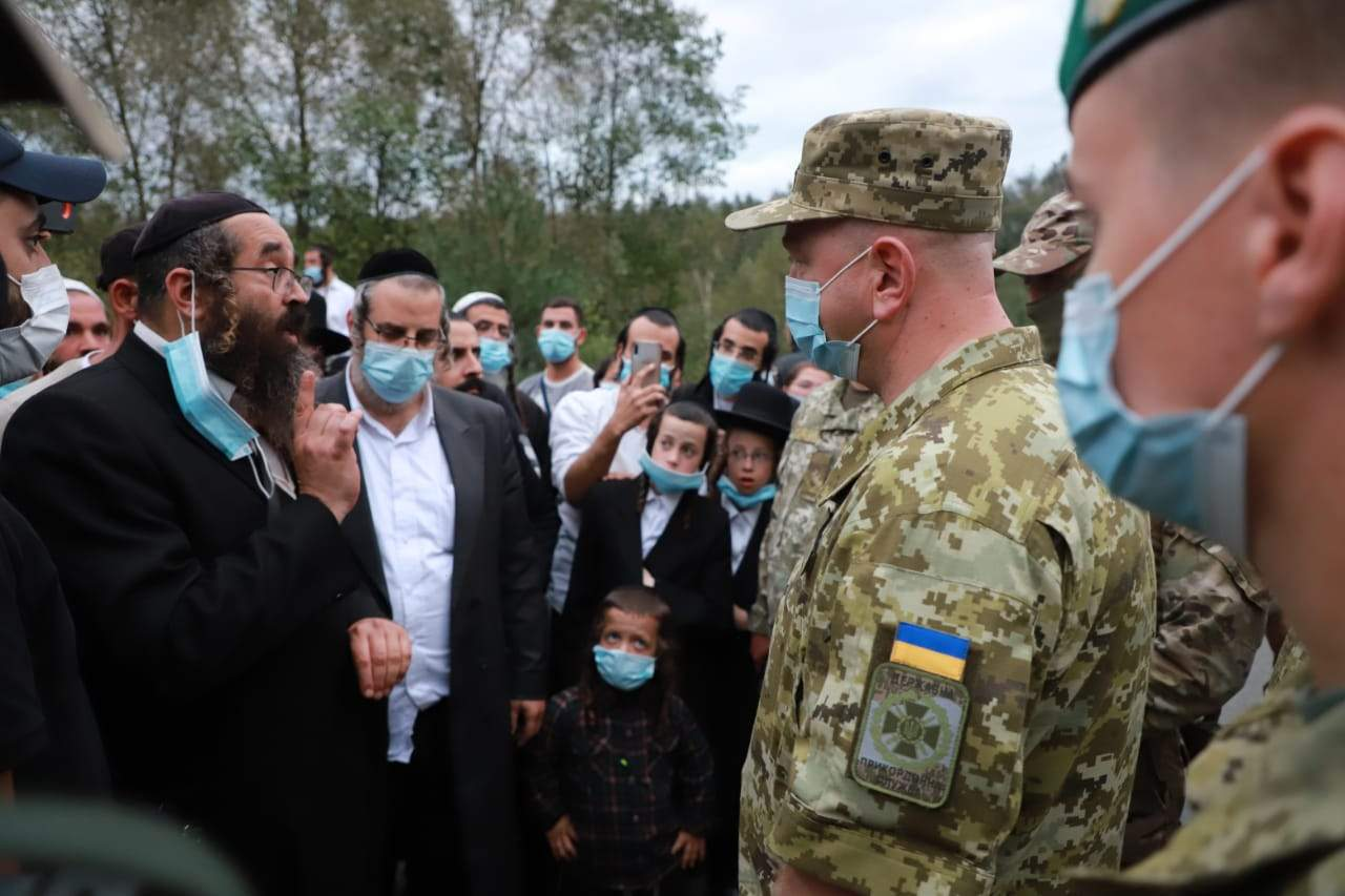 На кордоні України та Білорусі застрягли 1,5 тисячі хасидів