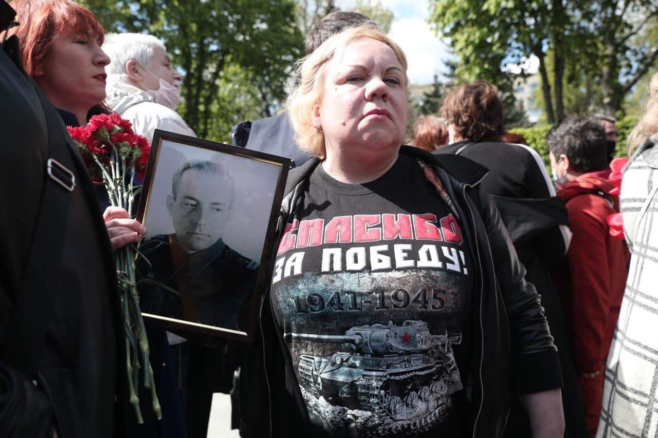 У Києві 9 травня проносять заборонену символіку у Парк Слави