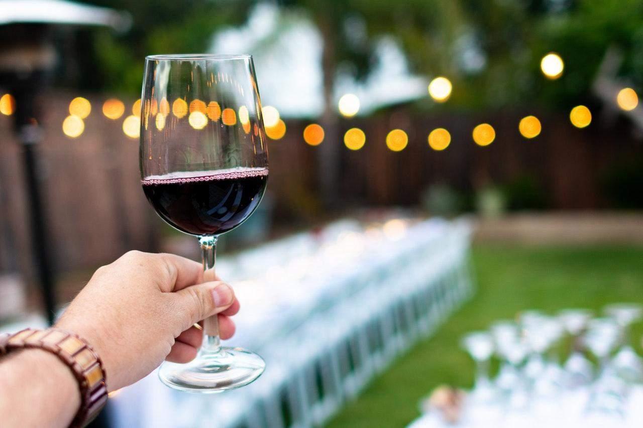 У вині ви можете відчути навіть аромат крейди / Фото Pexels