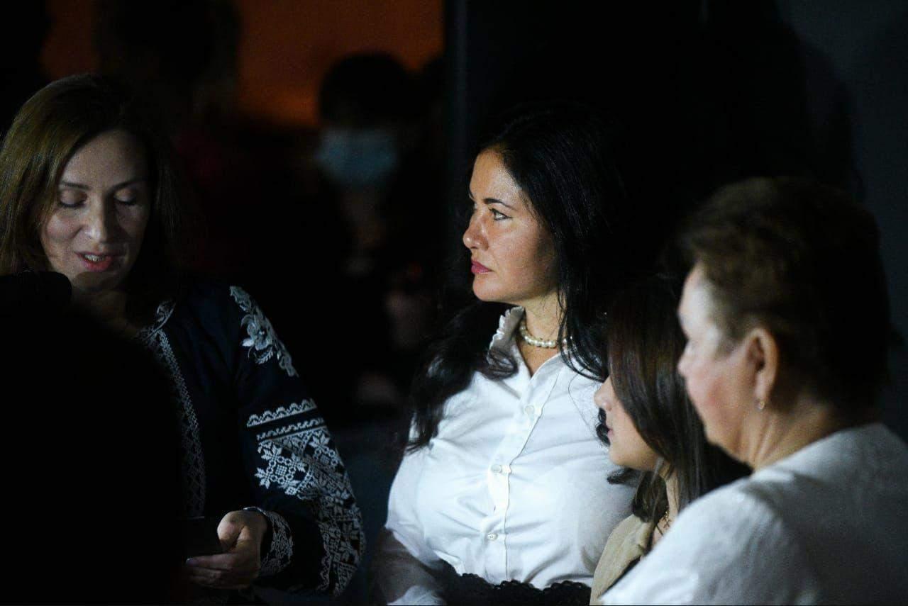 Олеся Стасюк,  директорка Національного музею Голодомору-геноциду та Анжеліка Петровська, кураторка проєкту оновлення Зали пам'яті