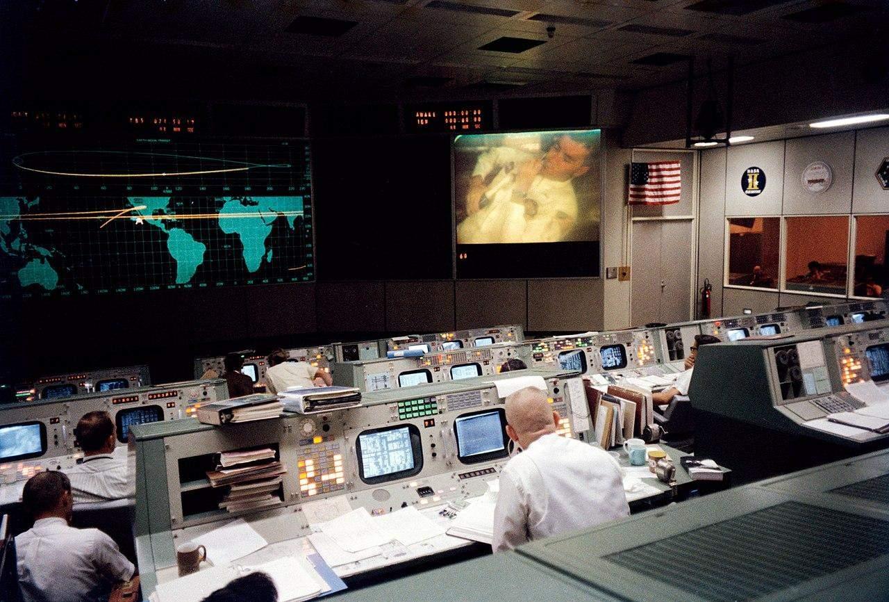 аполлон-13 центр керування польотом