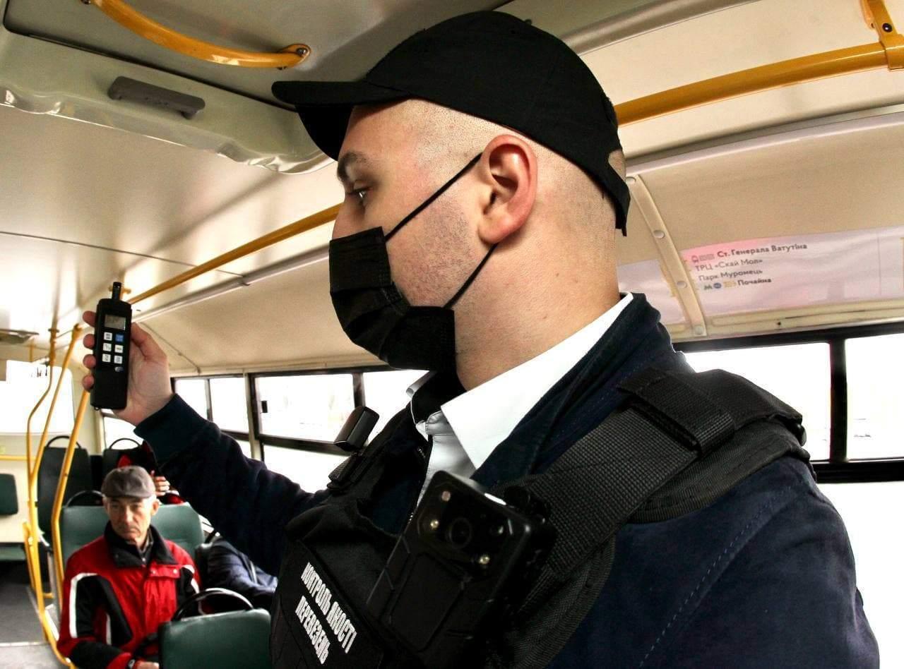 Порушення в маршрутках Києва транспорт автобуси столиця