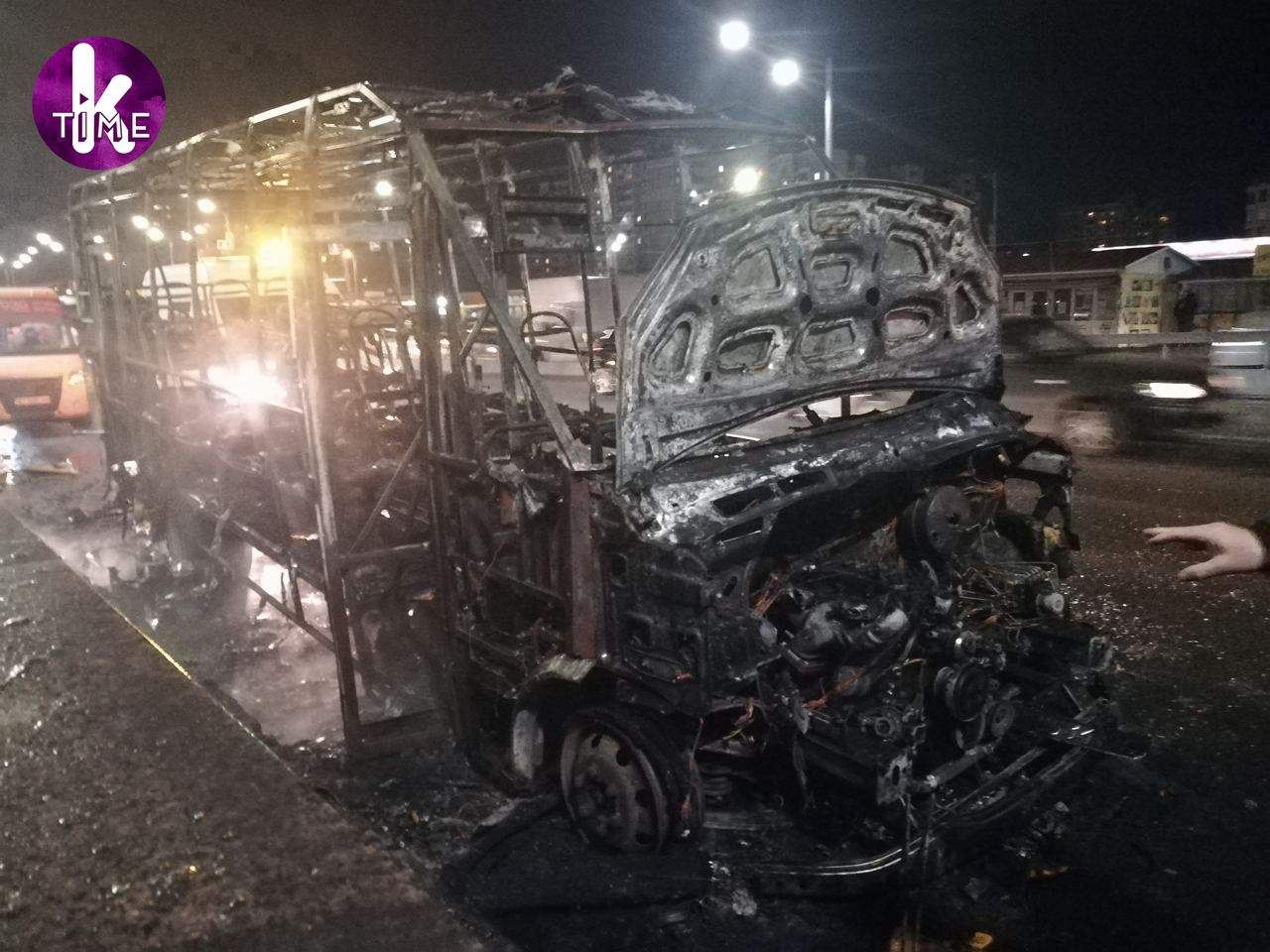 Маршрутка згоріла у Києві