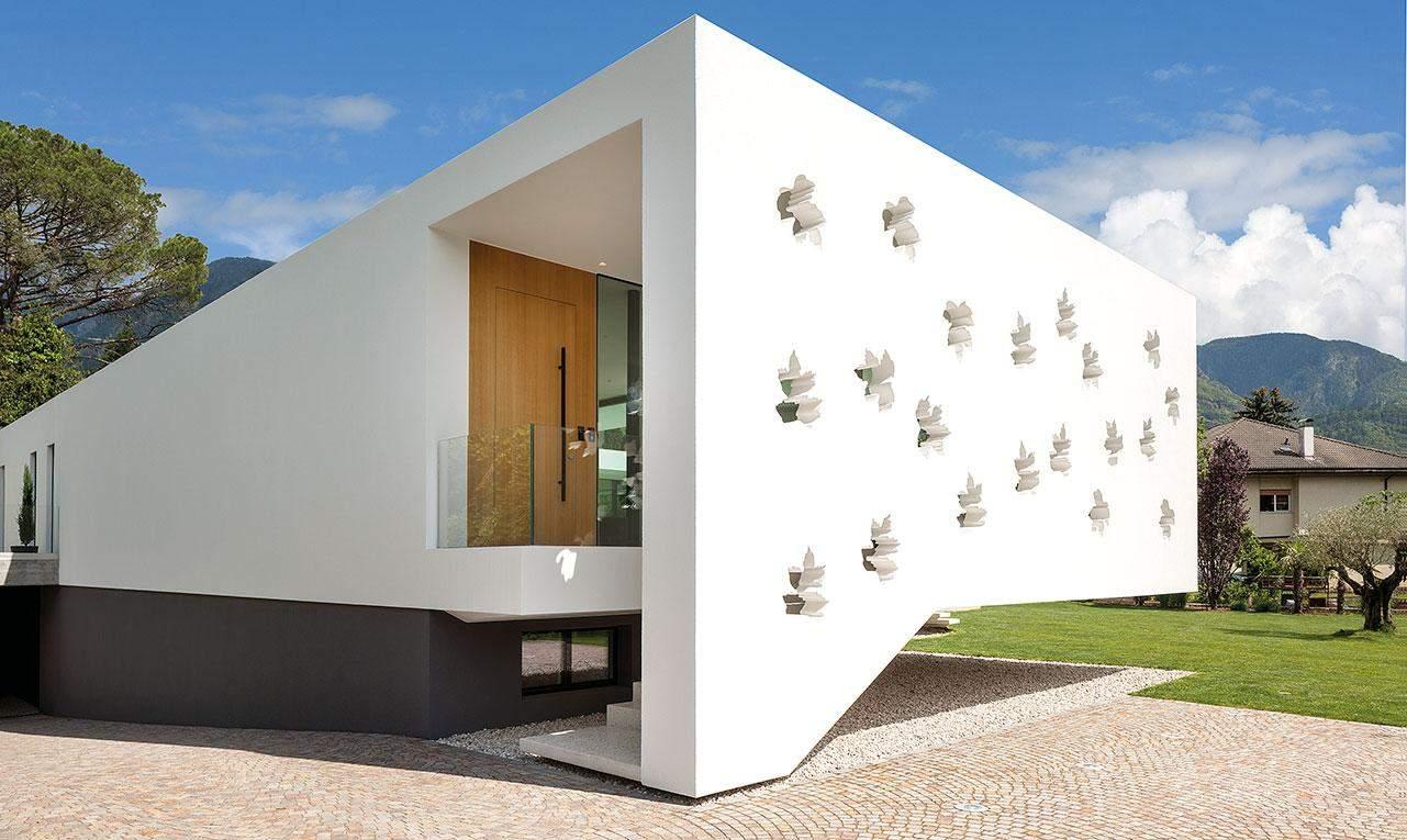 Оригінальний дизайн фасаду / Фото Harmonies