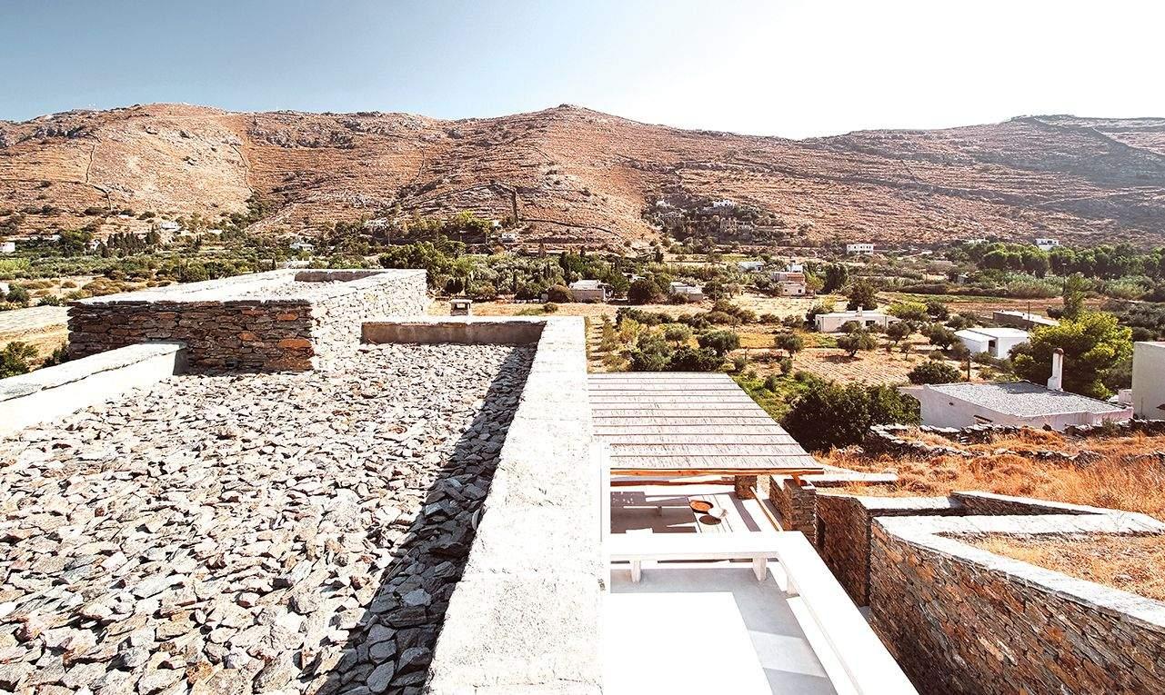 Дощова вода спеціально збирається на дахах і повторно використовується  / Фото Harmonies Magazine