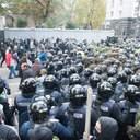 """""""Ні капітуляції"""": чому українці не підтримують мітинги проти влади"""