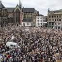 Протесты из-за убийства Джорджа Флойда добрались до Амстердама, власти взволнованы: фото, видео