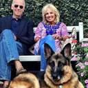 Байден попал в больницу, потому что получил травму во время забавы со своей собакой