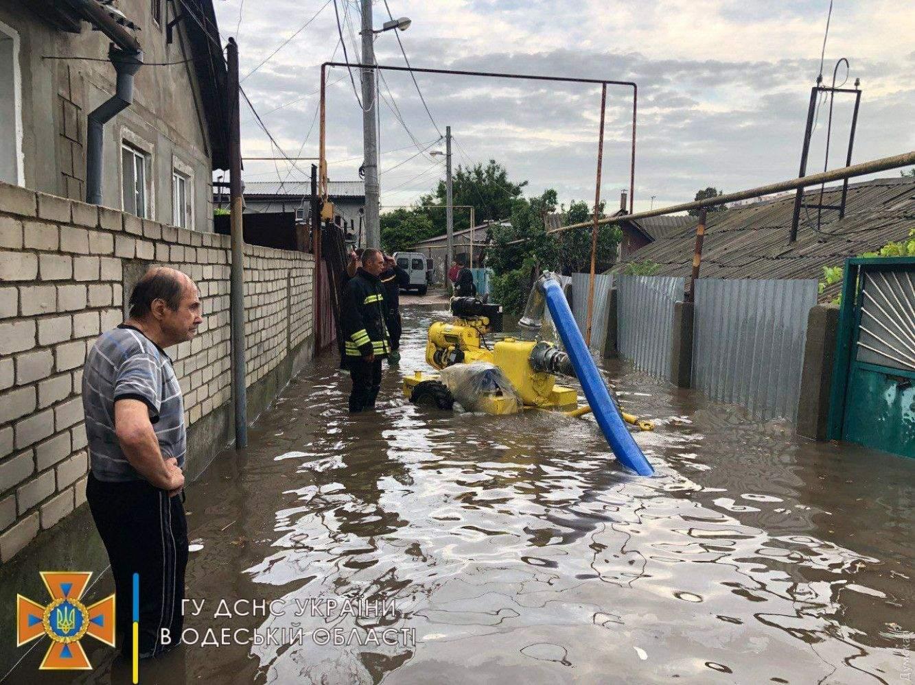 Затопило будинки Повінь в Одесі Новини Одеси Злива в Одесі 21.07.2021