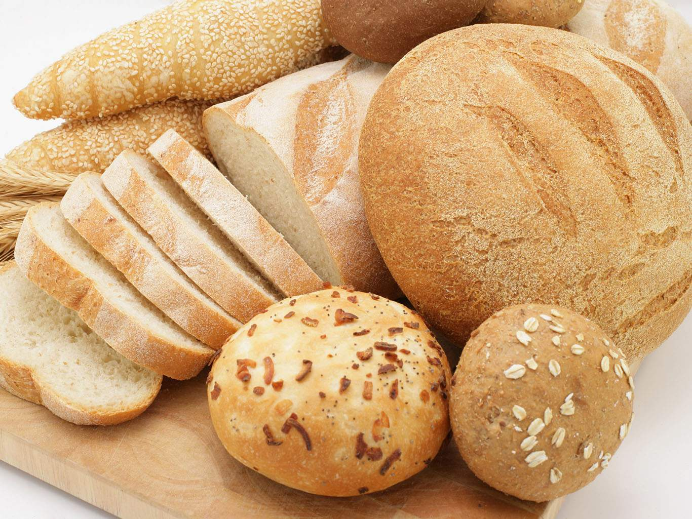 Белый хлеб лучше заменить на цельнозерновой