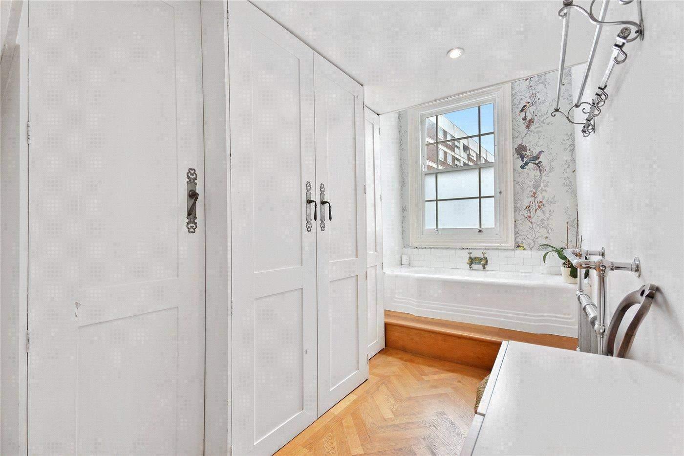 Дизайн ванних кімнат з ноткою британської класики