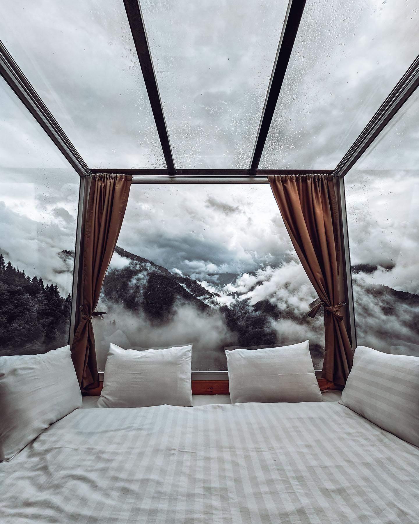 Вид из окон спальни поражает гостей