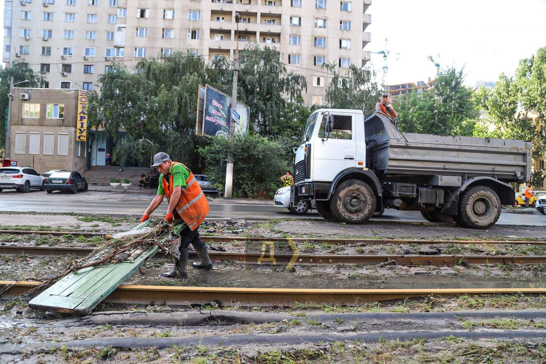 Трамваї не їздять Наслідки повені Одеса Злива в Одесі 21.07.2021