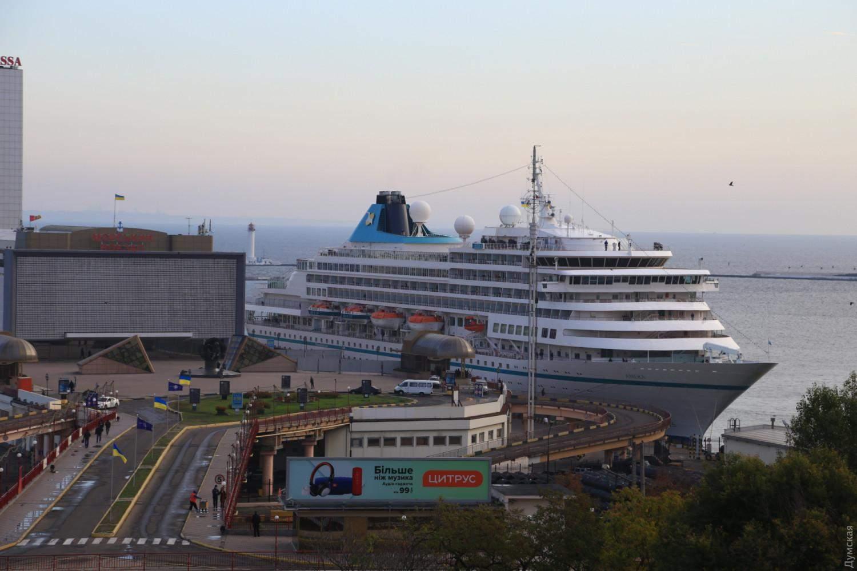кеанський лайнер Amera Одеса порт 2019 кораблі