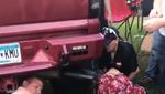 Дівчина застрягла головою у вихлопній трубі (відео)