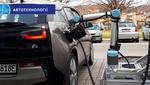 Австрийские инженеры создали робота для зарядки электромобиля