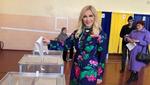 Любительница гастролей в России Повалий проголосовала на выборах президента Украины