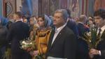 Перед голосованием Порошенко приехал в церковь: видео