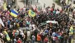 Евробляхеры устроили стычку с полицией под Радой: активист наехал на правоохранителя