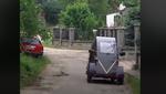 Український пенсіонер створив стильний електромобіль за 1300 євро