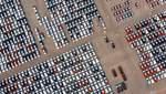 Британец припарковался на каждом месте возле супермаркета: это заняло 6 лет