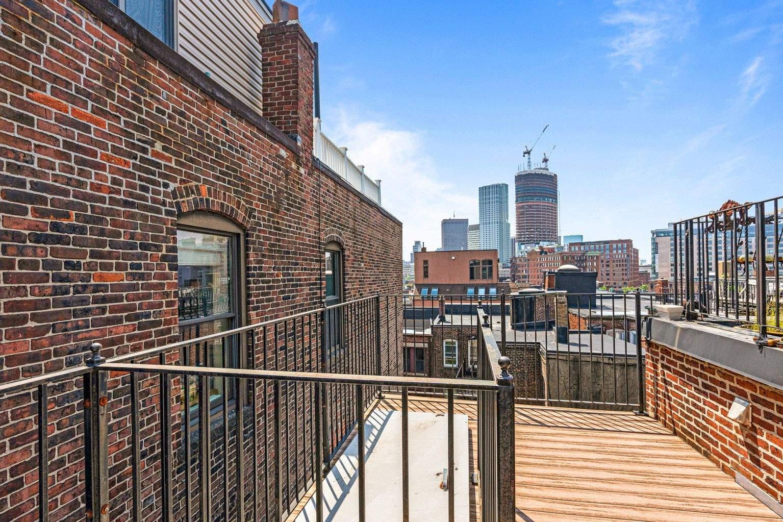 Найвужчий дім Бостона проданий за рекордно високу суму
