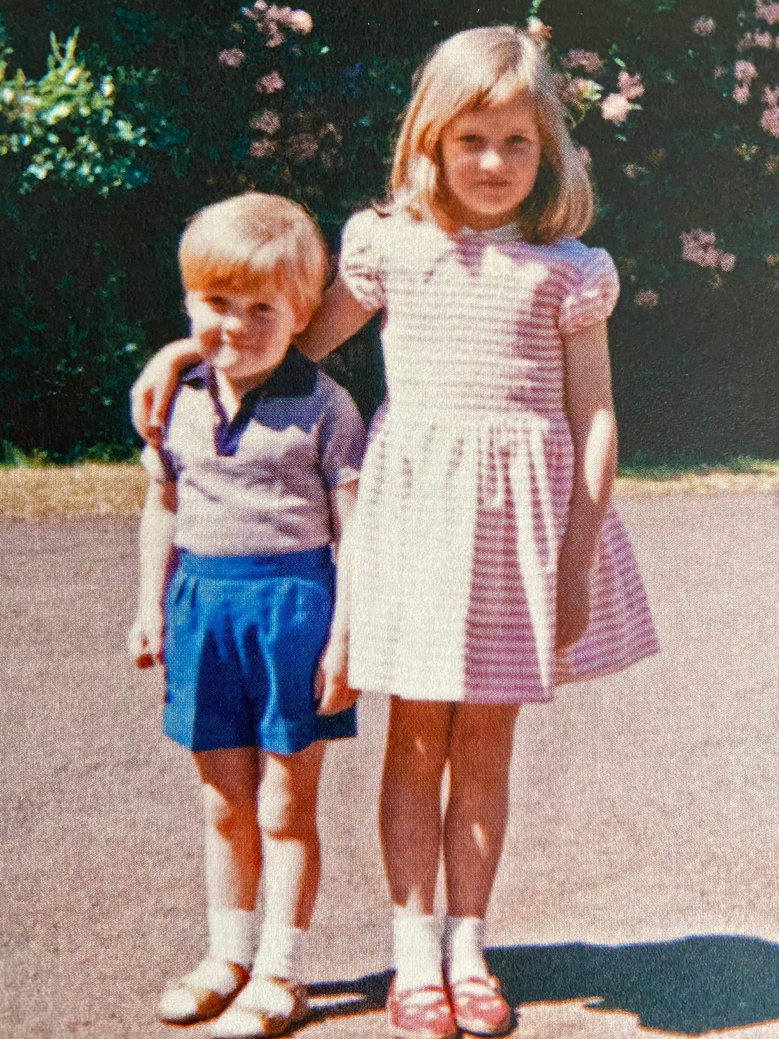 Принцеса Діана з братом